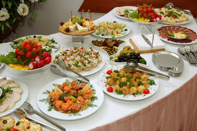 Come organizzare una cena a buffet foto pourfemme for Cena original y sencilla