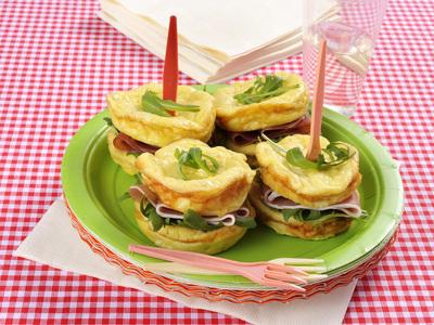 Sandwich di frittata e prosciutto