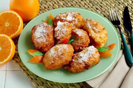 Frittelle profumate all'arancia