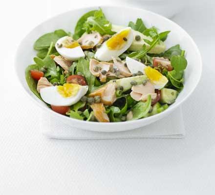 insalata salmone uova
