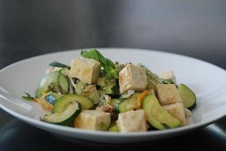 Insalata di tofu e zucchine