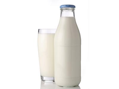 latte in bottiglia