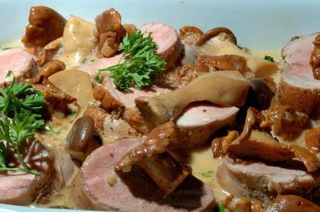 maiale con funghi ricetta