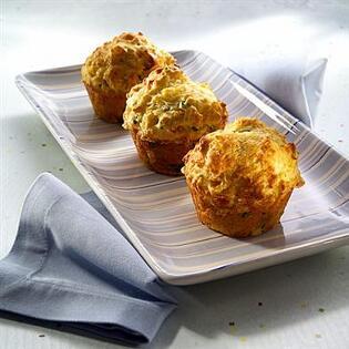 Muffin con prosciutto e piselli