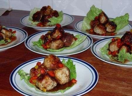 Polpette di pollo con salsa