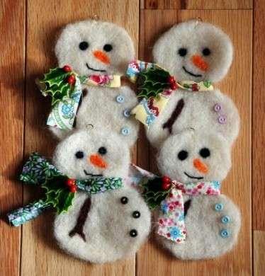 Addobbi di Natale in feltro pupazzi di neve