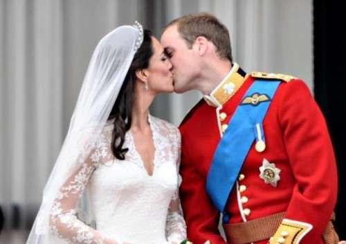 Bacio di William e Kate