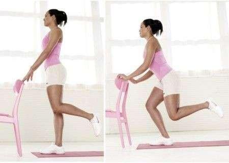 Esercizi per gambe con la sedia