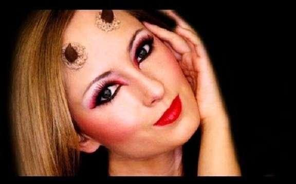 Trucco Halloween, una diavoletta sensuale