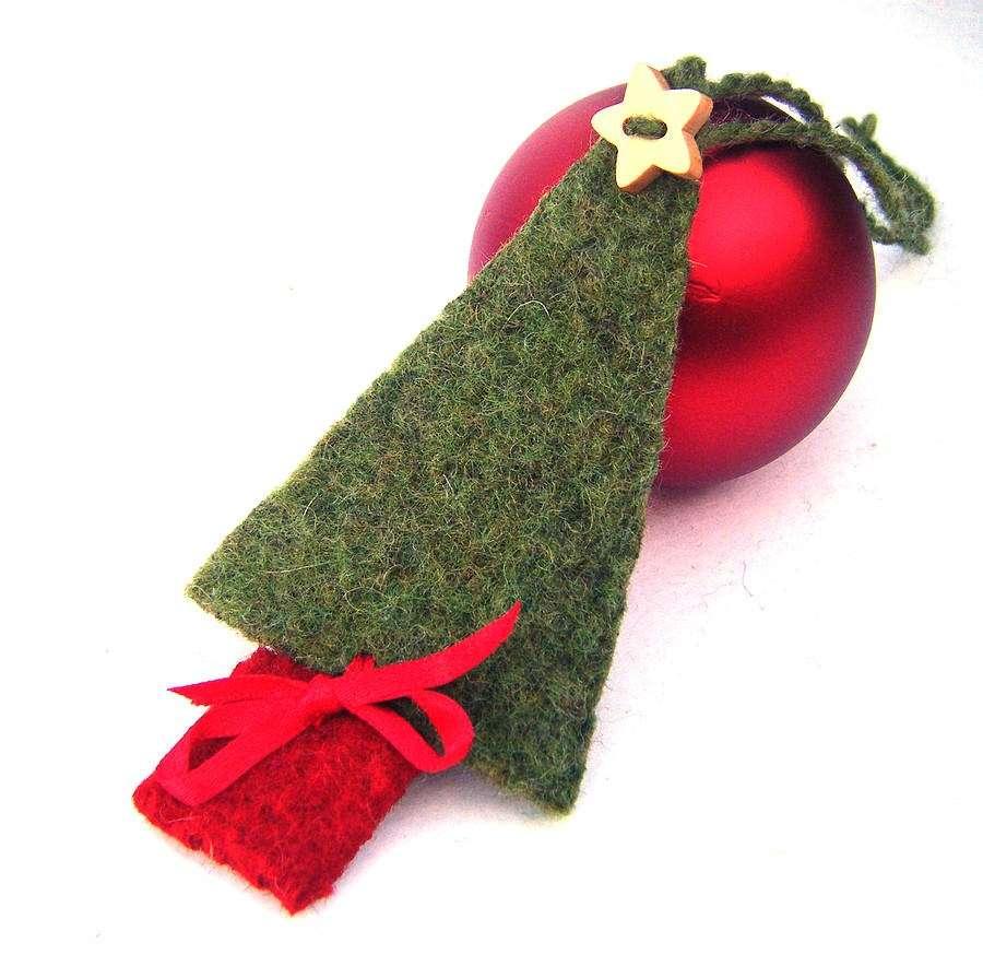 Lavoretti creativi Natale pallina e feltro