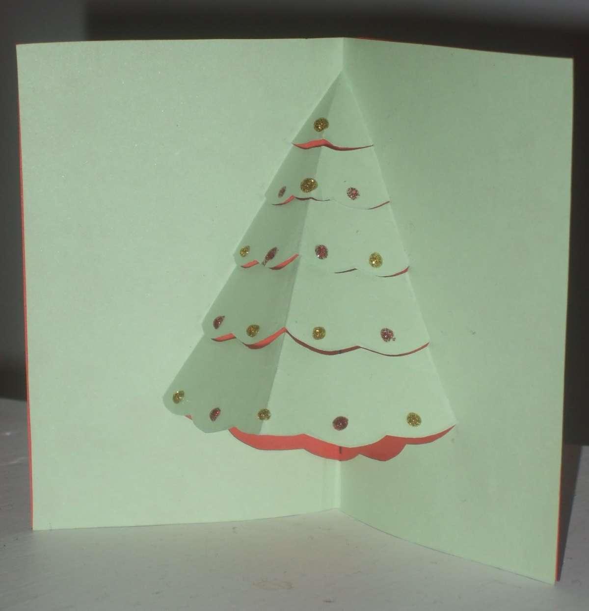 Biglietti pop up di Natale fai da te: albero