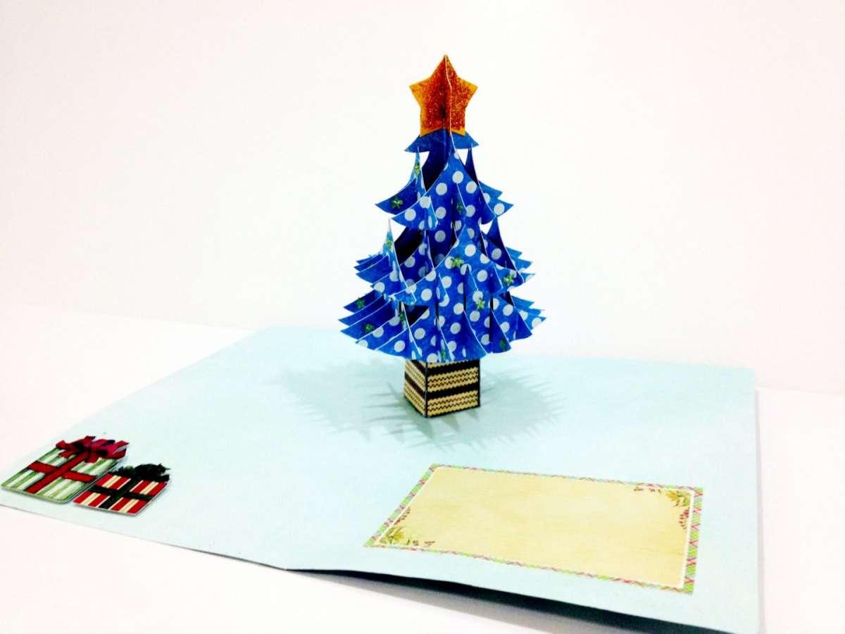 Biglietti pop up di Natale fai da te: albero azzurro