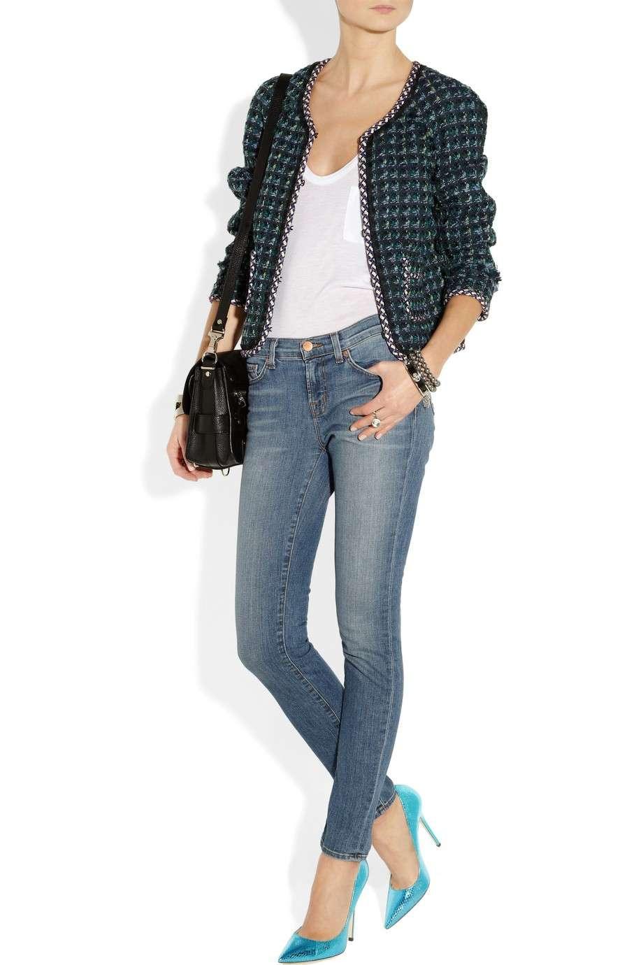 Jeans e pumps con tacco