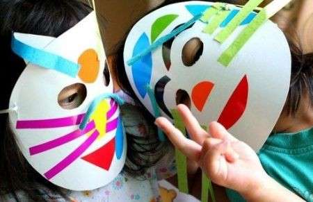Maschere di Carnevale colorate per bambini