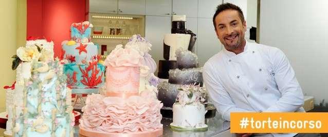 Renato tra le sue torte