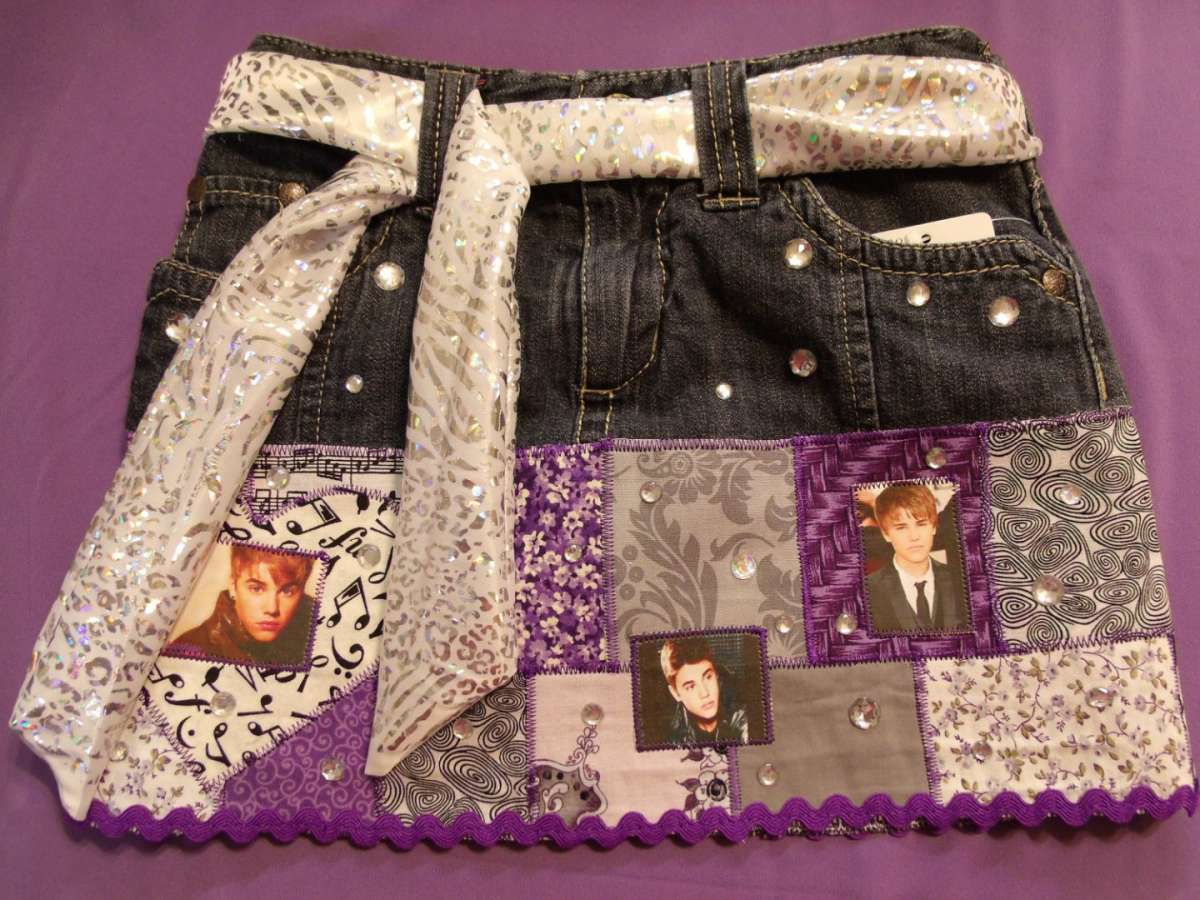 Gonna di jeans con Justin Bieber