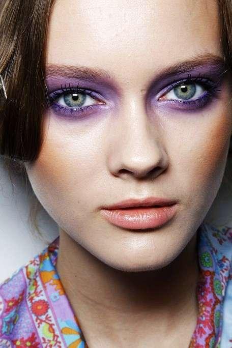 Make up in viola