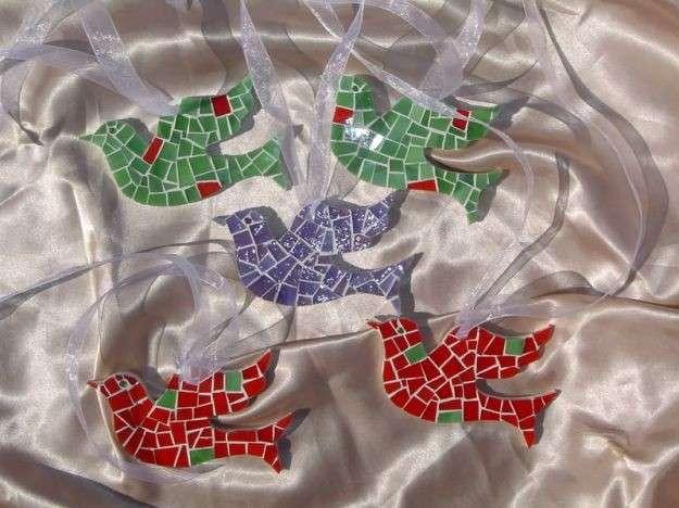 Colombe mosaico per i lavoretti di Pasqua dei bambini