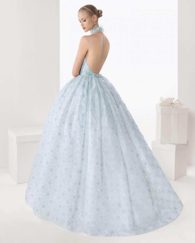 Vestito da sposa azzurro di Rosa Clarà