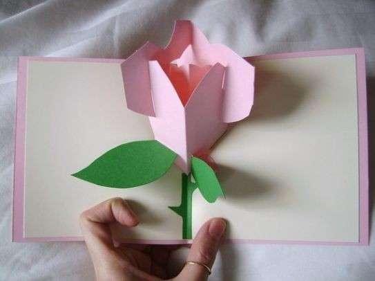Biglietto pop up con rosa