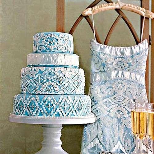 Modello nuziale blu come la torta