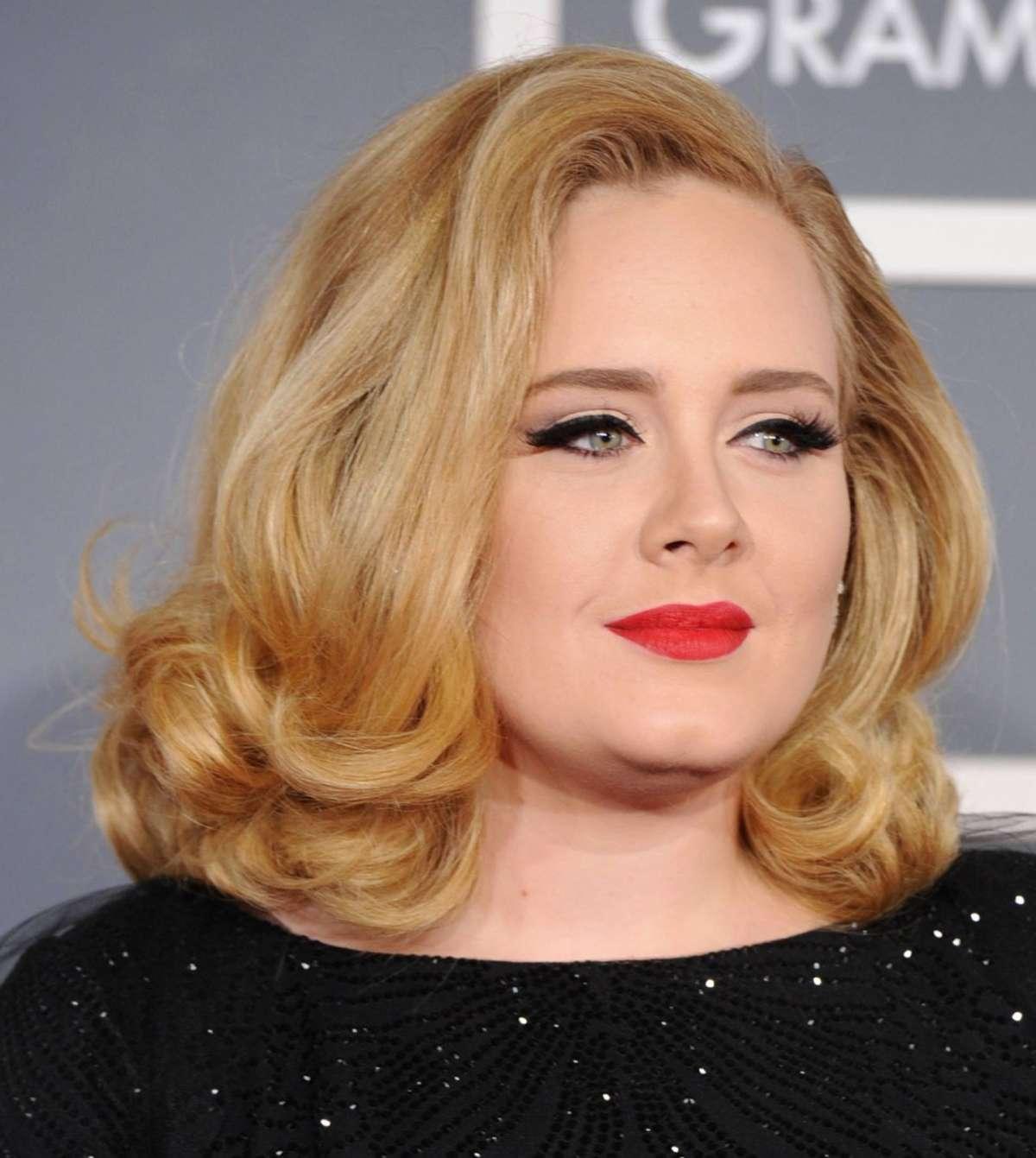 Viso rotondo di Adele