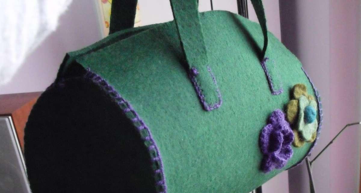 Bauletto verde di feltro
