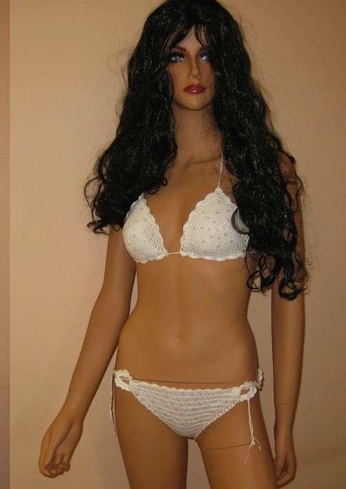 Bikini a triangolo bianco