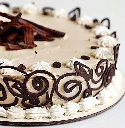 Torta espresso al caffè con panna e cioccolato