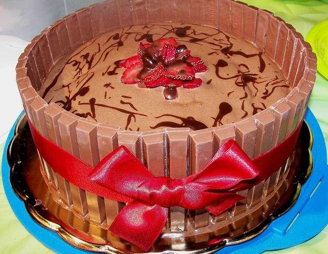 Torta kit kat con mousse di cioccolato