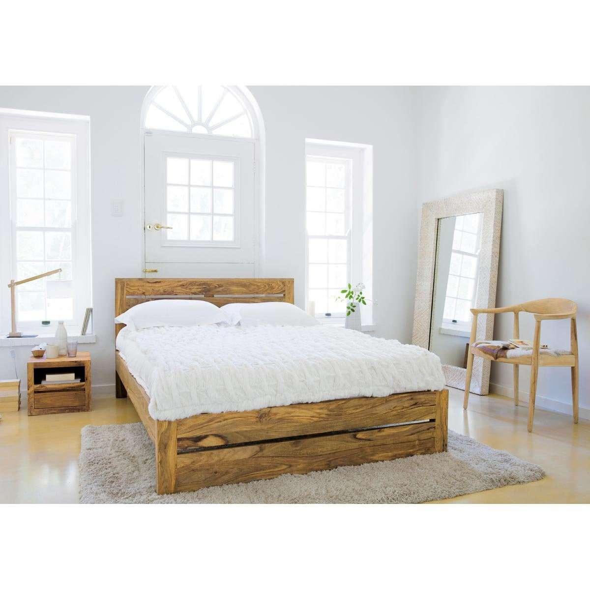 Arredamento in bianco e legno