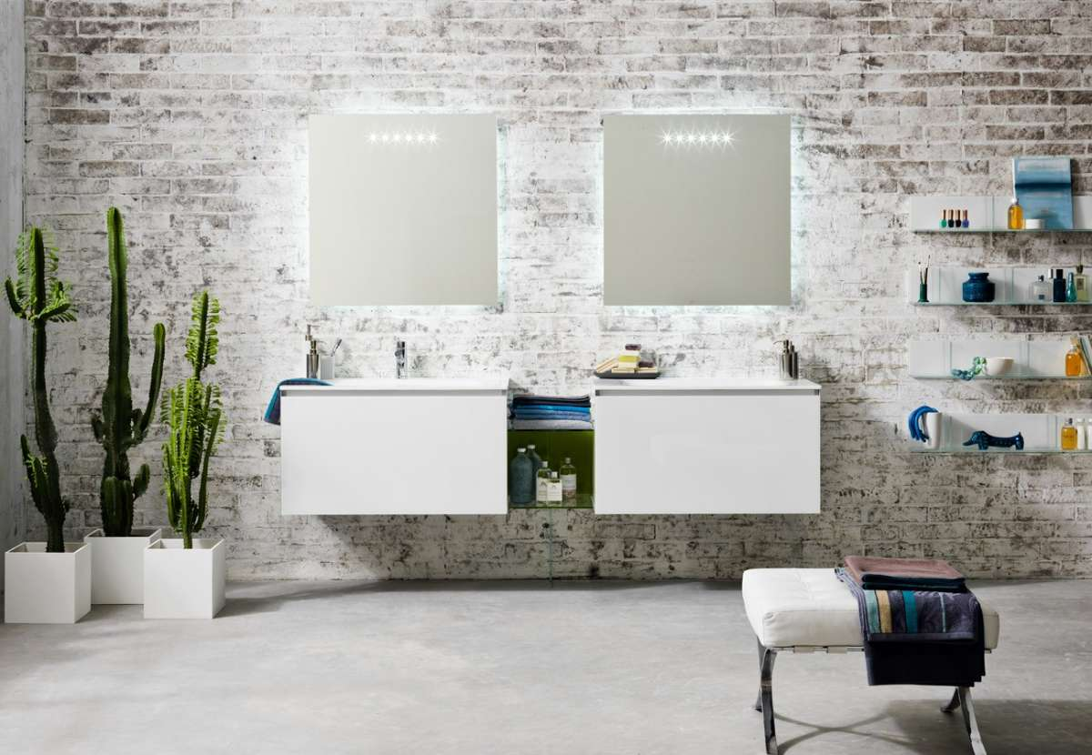 Mobili chiari per i bagni moderni