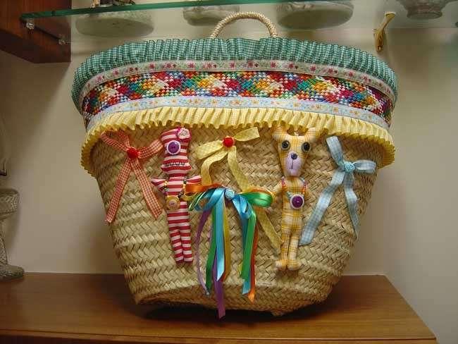 Pupazzi e decorazioni colorate