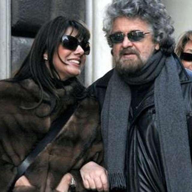 Parvin Tadjk passeggia con Beppe Grillo