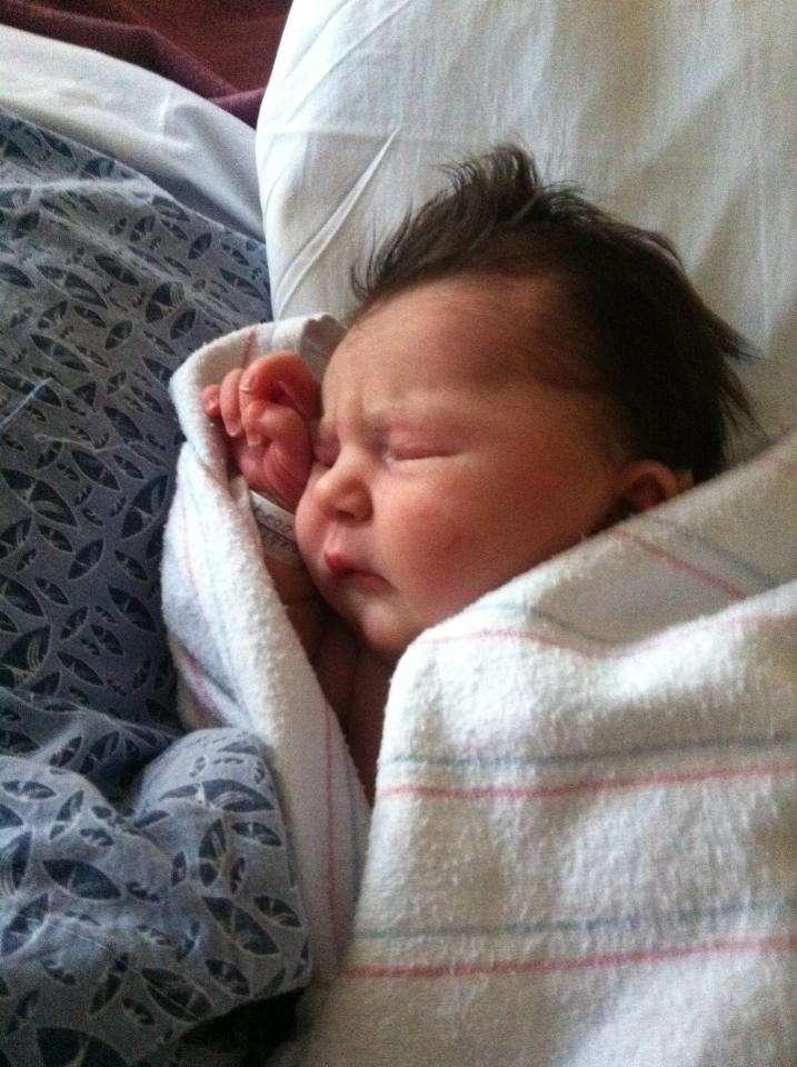 Bebè con cresta