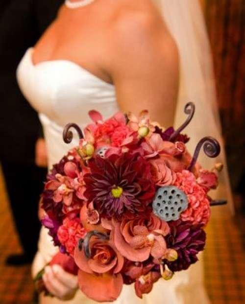 Bouquet sui toni del rosso