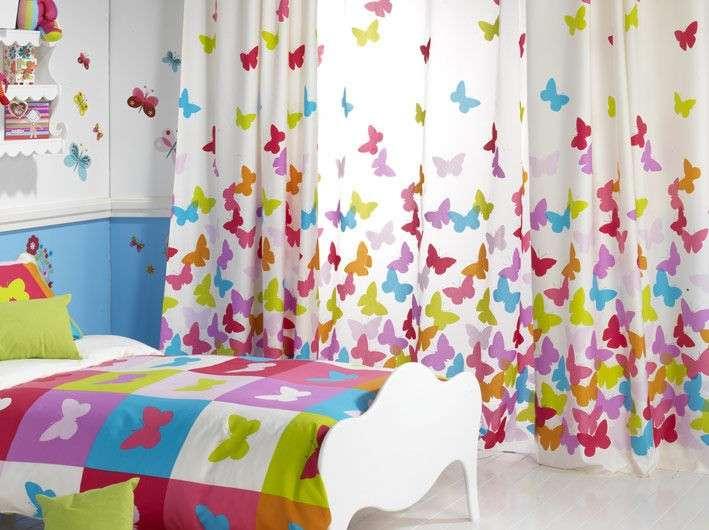 Tende con farfalle coloratissime