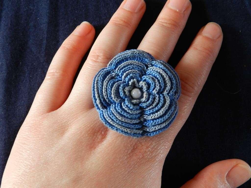 Anello a fiore crochet