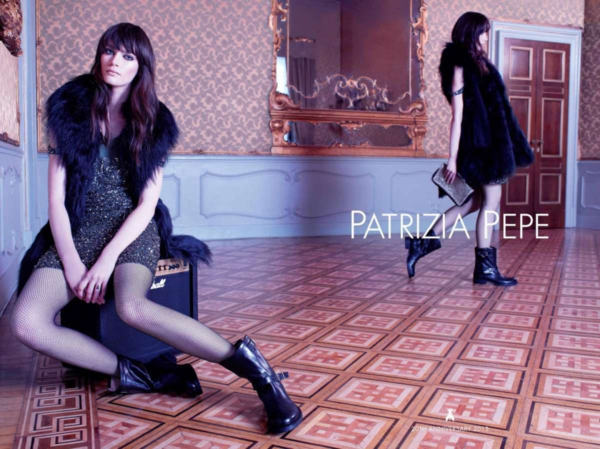 Gilet in pelliccia Patrizia Pepe e minidress