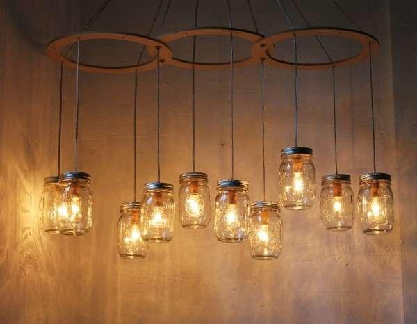 Lampadari circolari e con barattoli di vetro