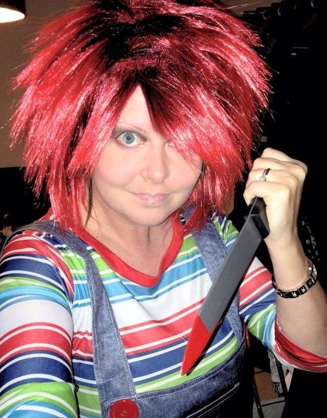 Parrucca rossa per il costume da bambola assassina