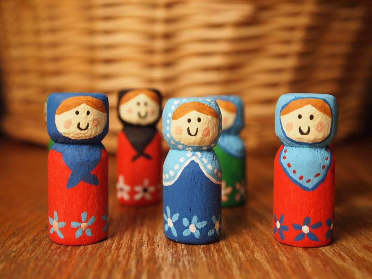 Bamboline di legno per Natale