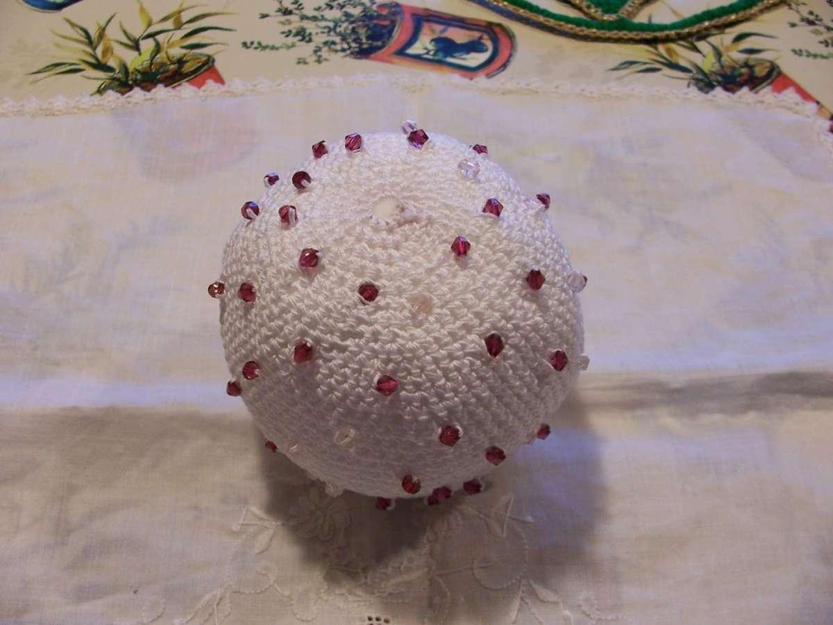 Pallina di Natale con le perline