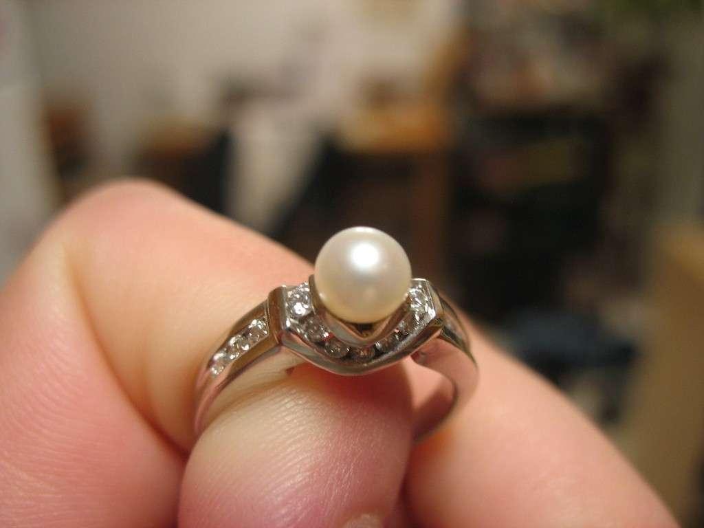 Anelli di fidanzamento con perla