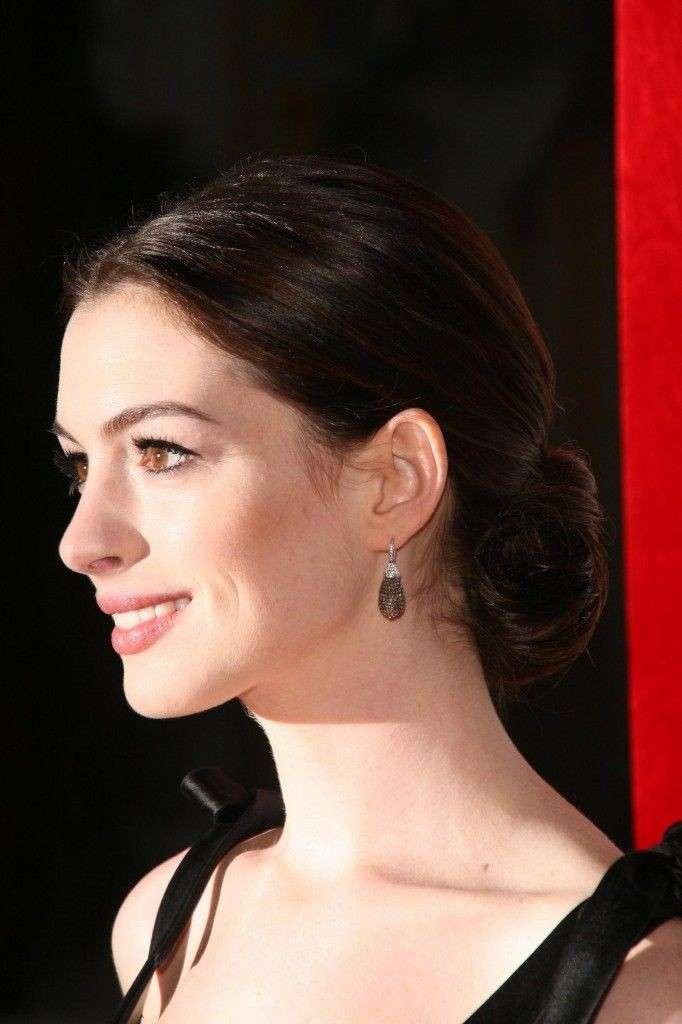 Anne Hataway beauty look