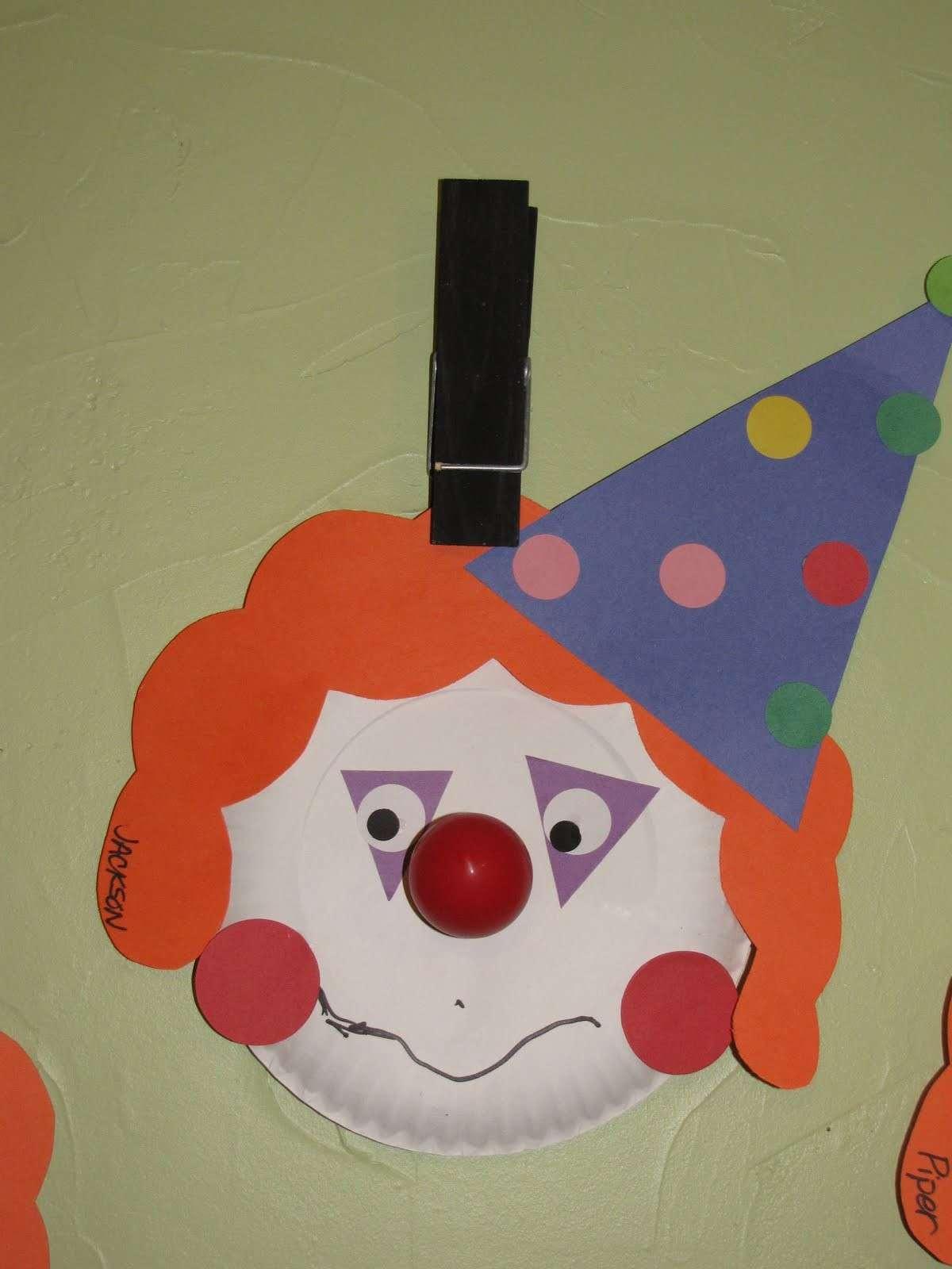 Clown di carta