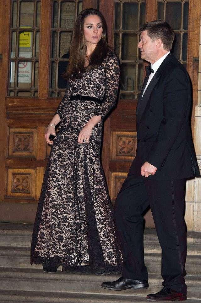 Kate in abito lungo