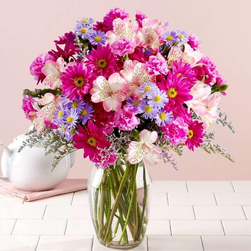 Bouquet di fiori colorati per la laurea