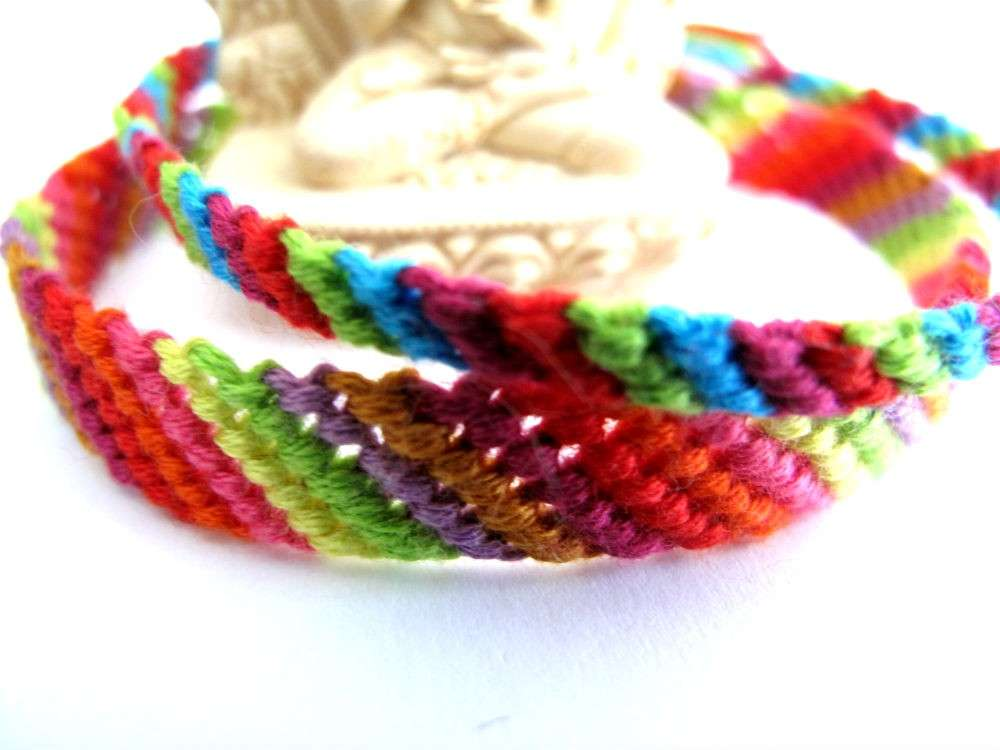 Braccialetti arcobaleno fai da te