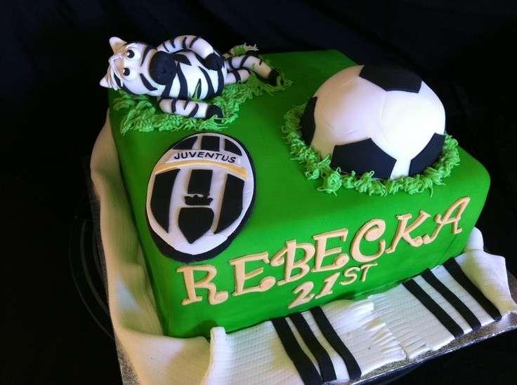 Design unico per la torta della Juventus